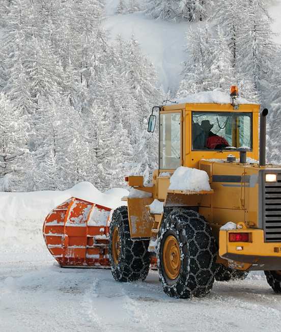 Snow chains for industrial vehicles